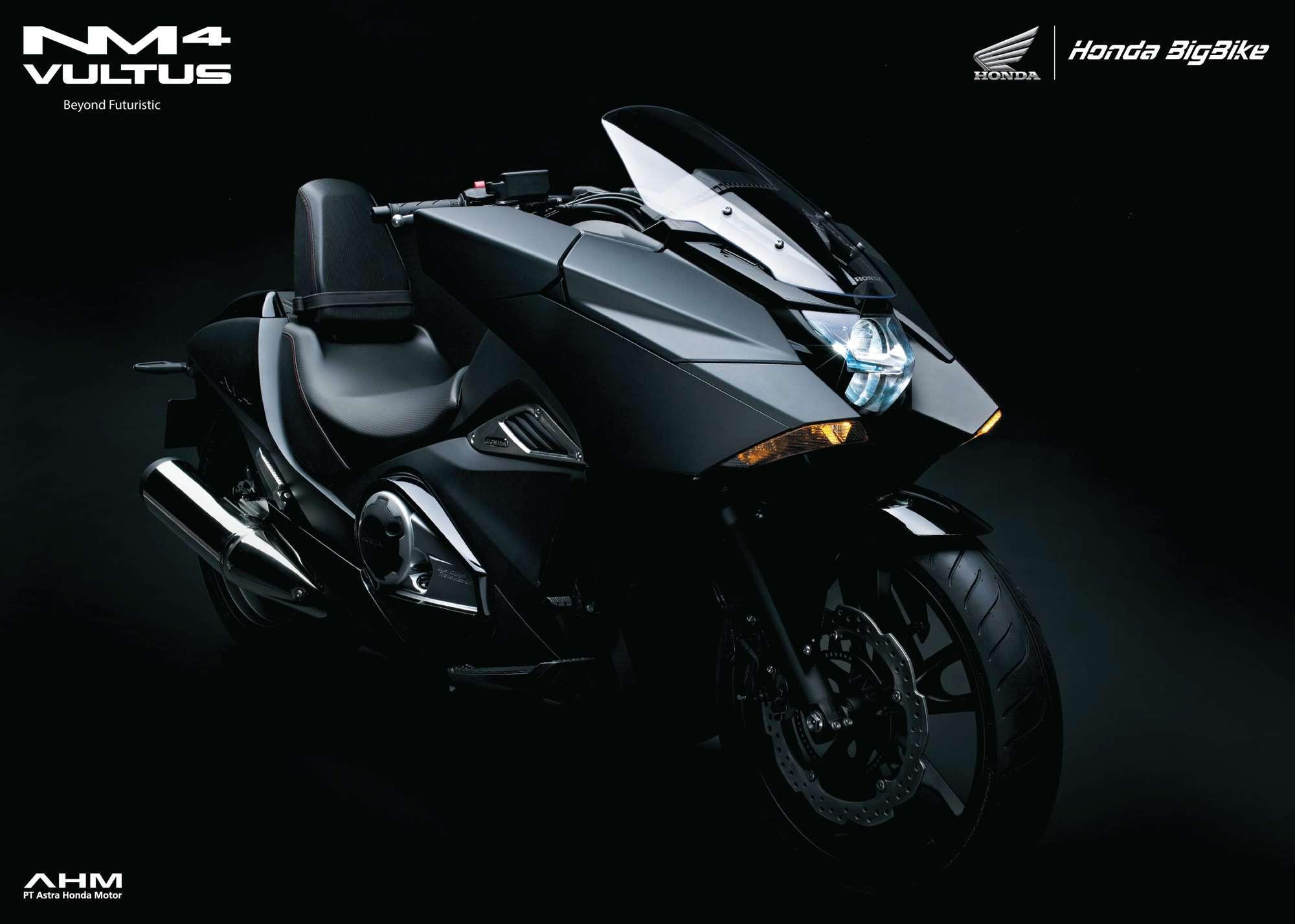 Brosur Motor Honda NM4 Vultus - 1