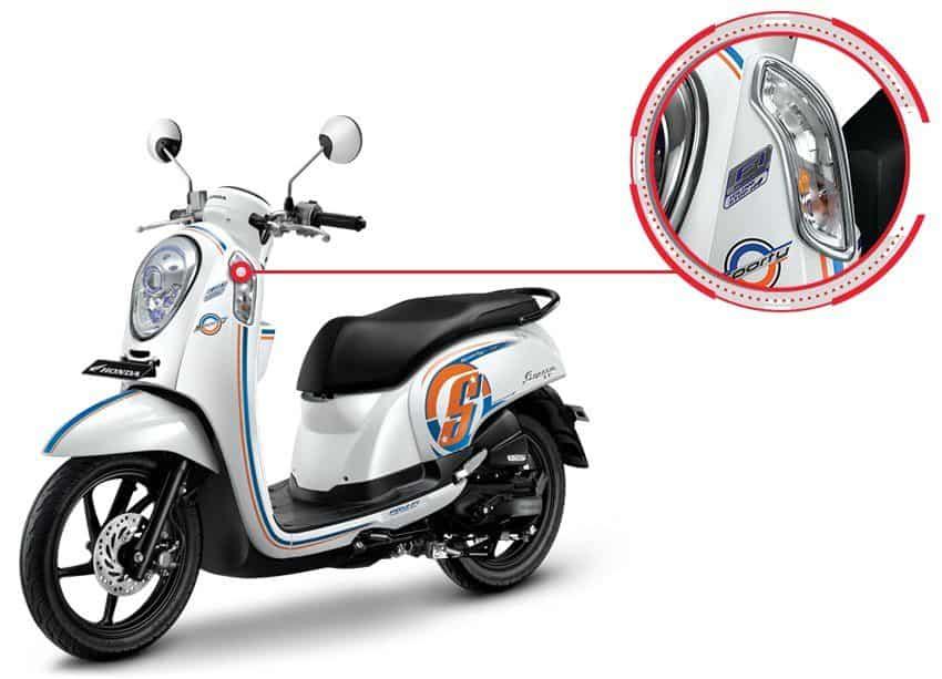 Garnish Front Winker Honda Scoopy eSP