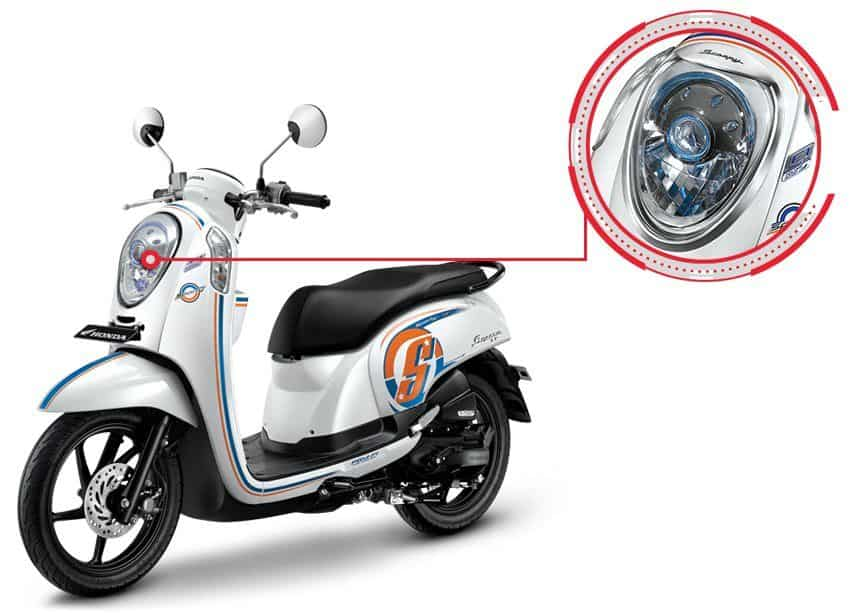 Garnish Headlight Honda Scoopy eSP