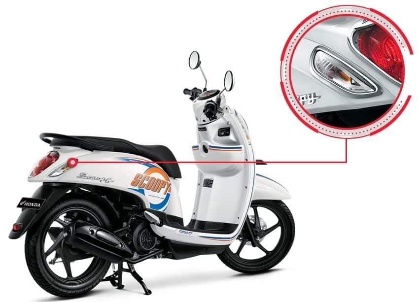 Garnish Rear Winker Honda Scoopy eSP