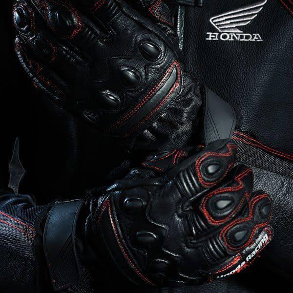 premium-leather-glove-display