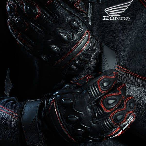 premium-leather-glove-display