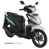 honda-spacy-helm-in-pgm-fi-imperial-white1