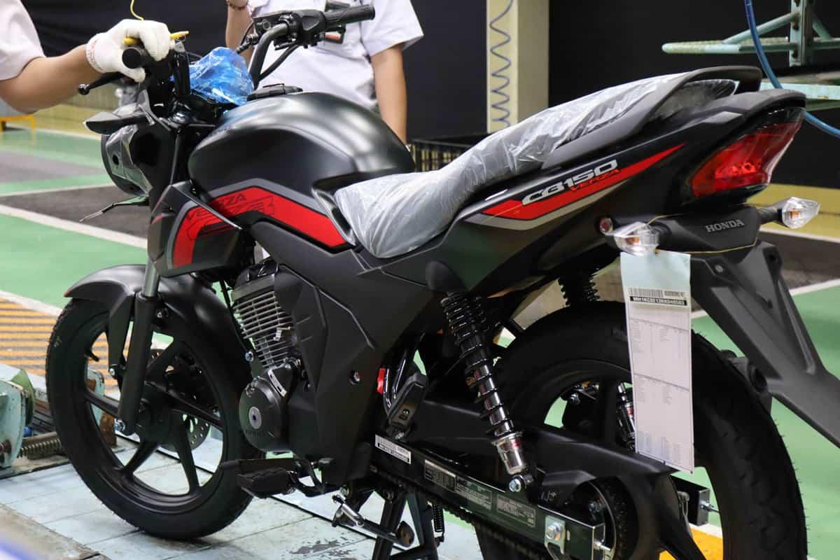 CB150 Verza Tampil Macho Dengan Warna Baru | Honda Cengkareng