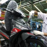 Honda Supra X 125 FI Tampil Dengan Stripe Baru