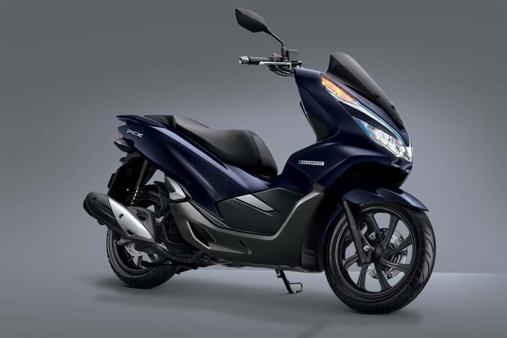 honda-pcx-hybrid-1