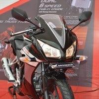 Honda CBR 150R Tampilan Depan