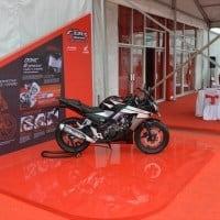 Honda CBR 150R Black Dibedah